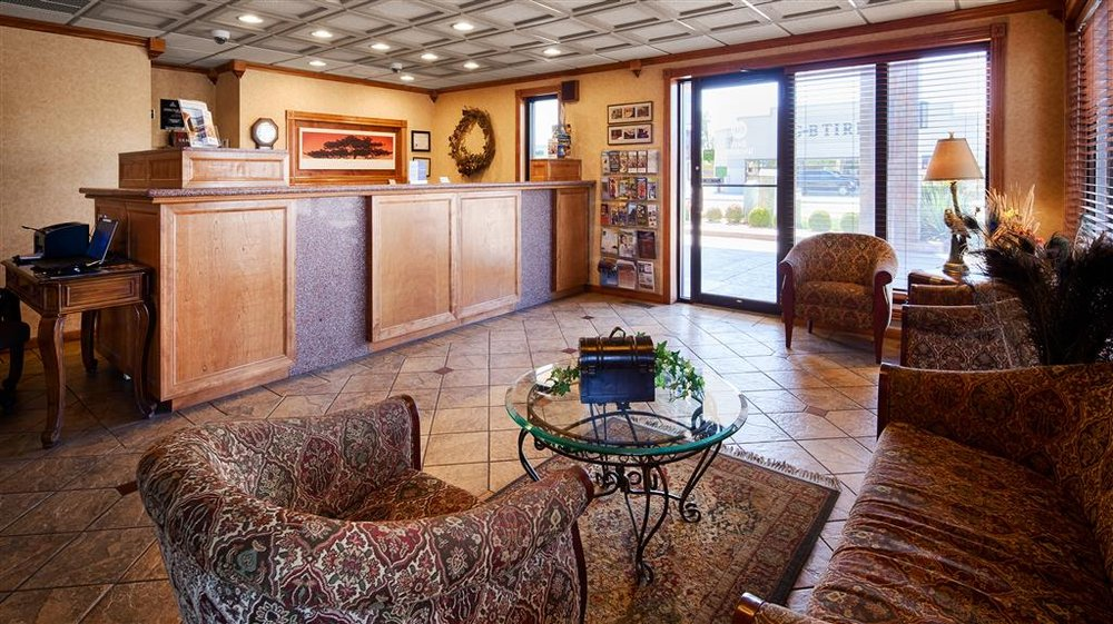 Best Western Angus Inn: 2920 10th St, Great Bend, KS
