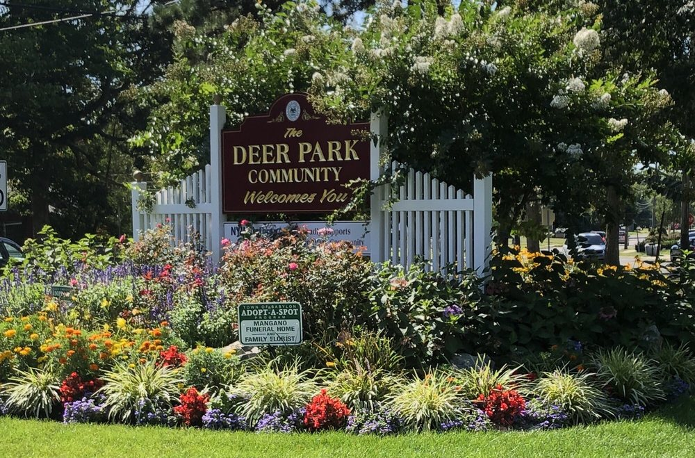 Family Florist: 1683 Deer Park Ave, Deer Park, NY