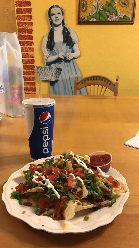 Toto's Tacoz: 515 Lincoln St, Wamego, KS