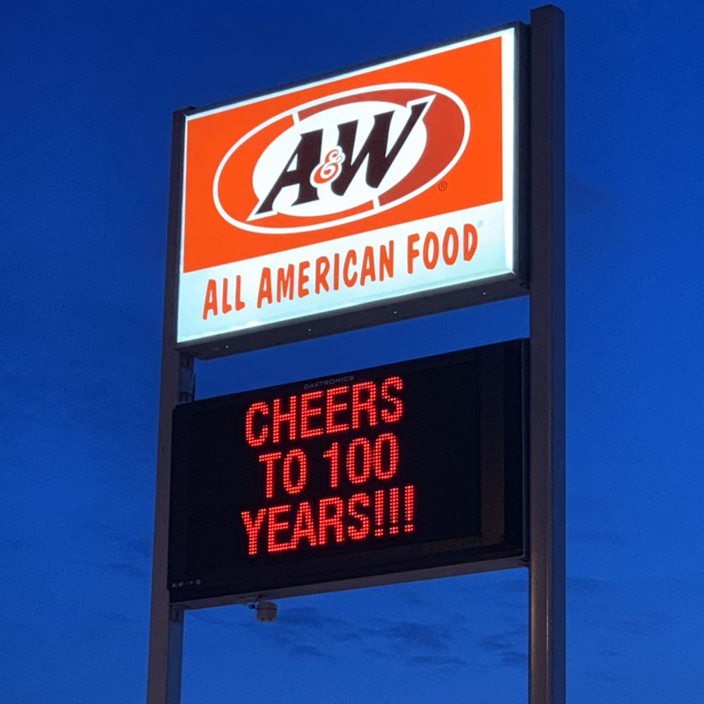 A&W Restaurant: 10 E Highway 12, Webster, SD