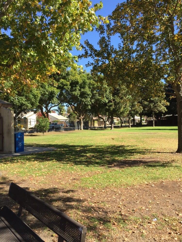 El Marino Park: 5301 Berryman Ave, Culver City, CA
