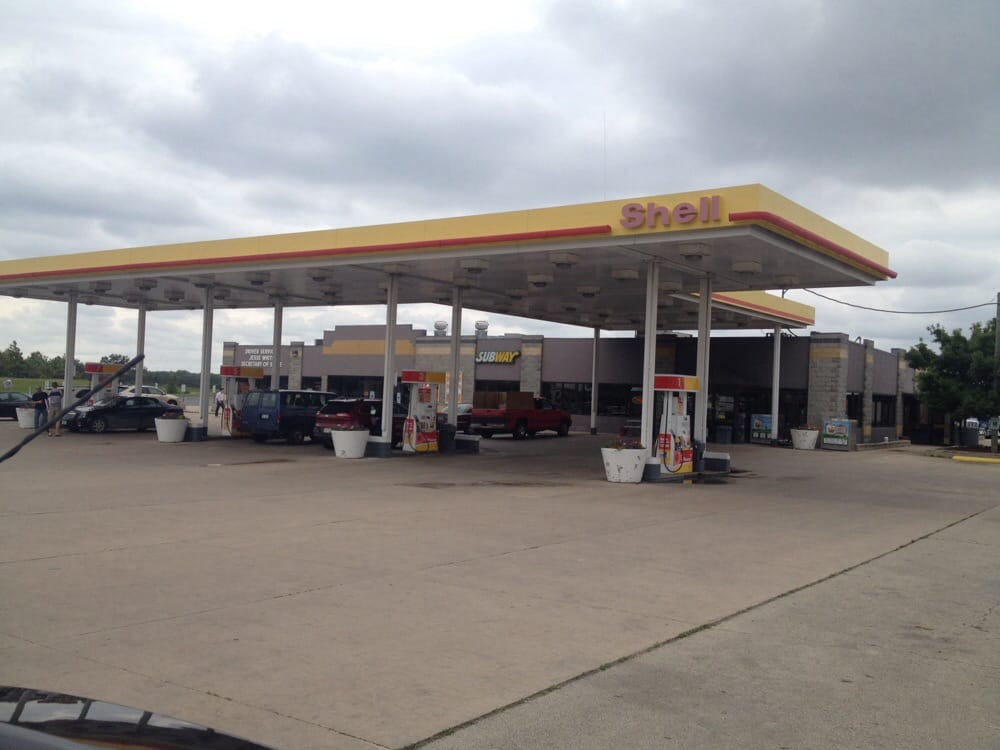 Shell: 4752 Baxter Rd, Rockford, IL