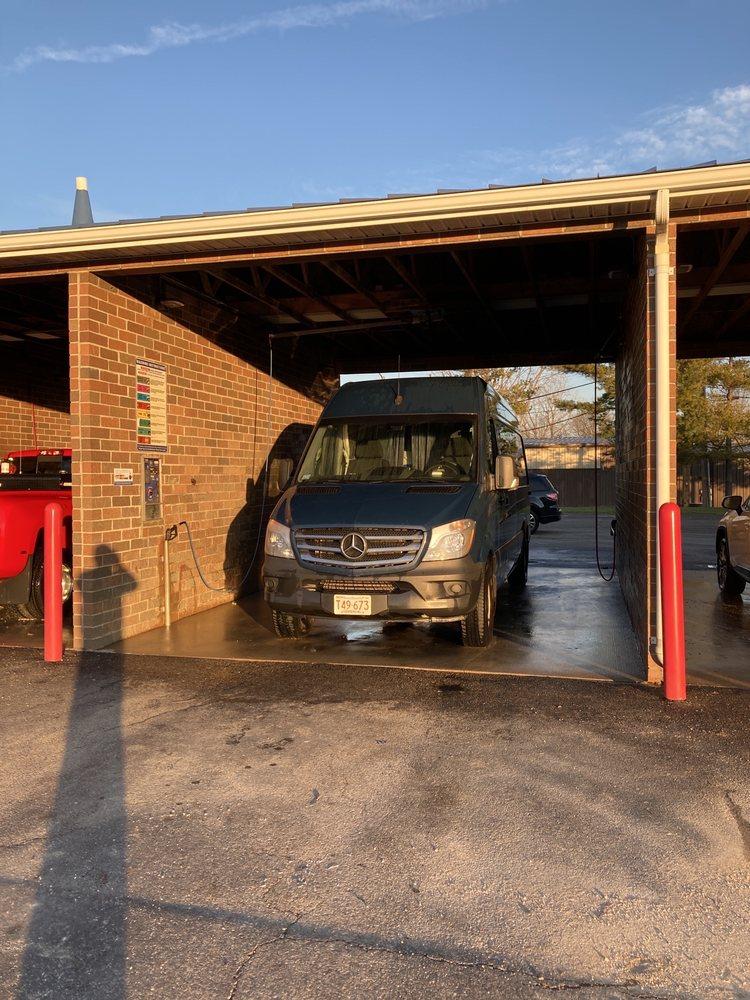 Parkmead Car Wash: 4090 Parkmead Dr, Grove City, OH