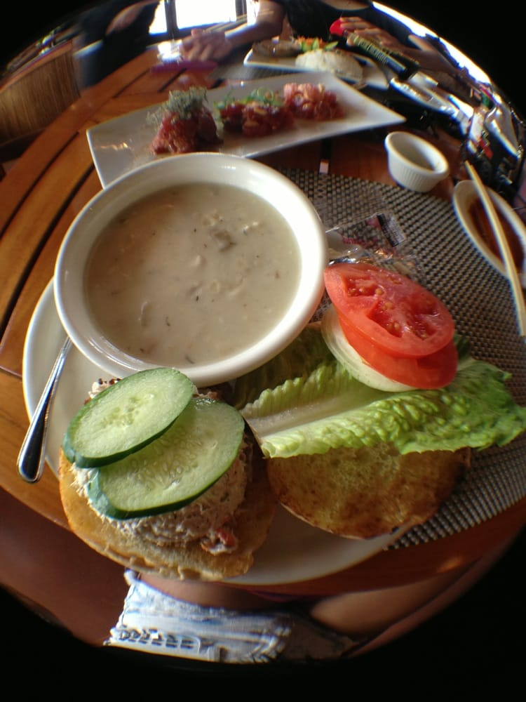 Tuna sandwich chowder yelp for Uncle s fish market and grill