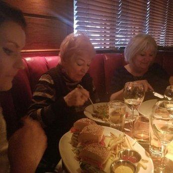 Houston S Restaurant 475 Photos 631 Reviews American
