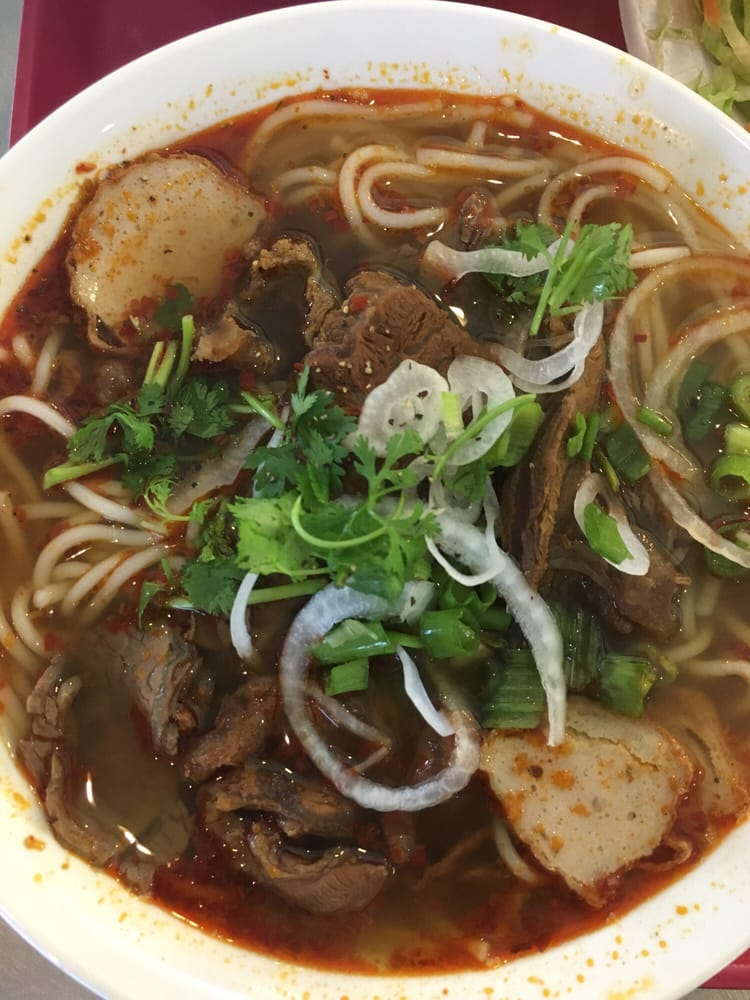 how to make spicy beef pho