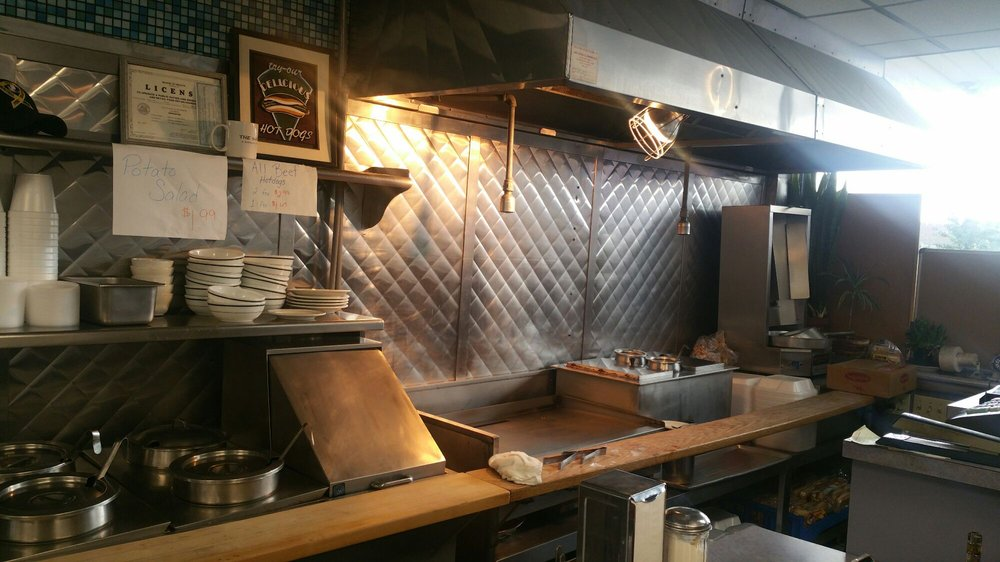 Sharon Hotdog Shop: 134 W State St, Sharon, PA