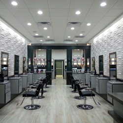 Modern salon 12 photos hair salons 13176 w lake for Photo salon moderne