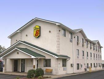 super 8 harrisonburg 16 photos hotels 3330 s main. Black Bedroom Furniture Sets. Home Design Ideas