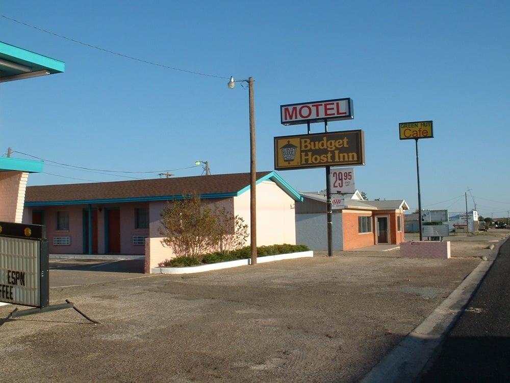Budget Host Inn: 901 S Dallas Ave, Lamesa, TX