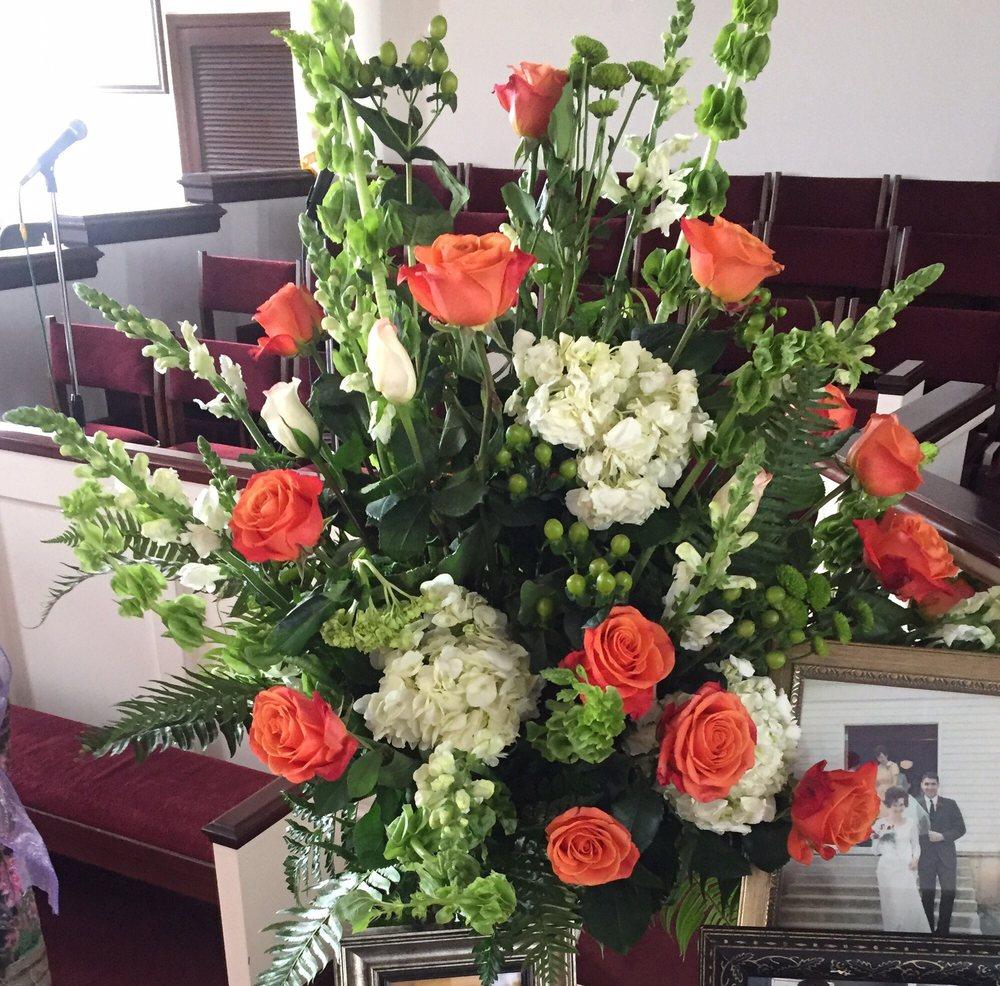 Petals of Grace Flowers & Gifts: 120 Dossett Ln, Jacksboro, TN