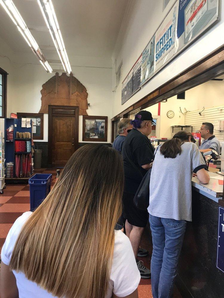 US Post Office: 170 E College St, Covina, CA