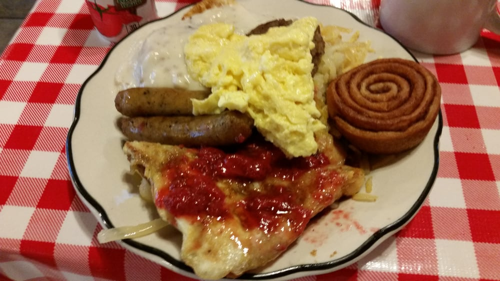 Maxine's Restaurant: 23929 Highway 65, Warsaw, MO