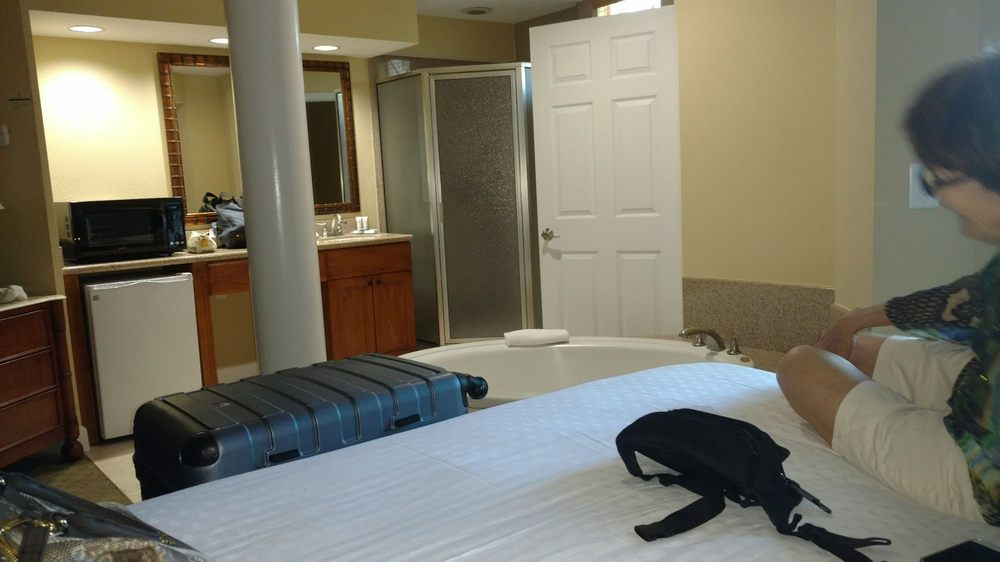 Cypress Pointe Resort 25 Photos 39 Reviews Hotels 8651 Treasure Cay Ln International