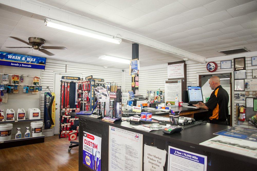 Debbie's Automotive & 4 Wheel Drive: 420 S Greensboro St, Liberty, NC