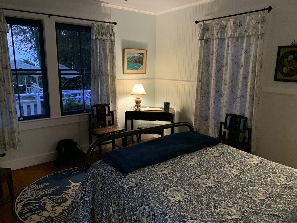Waipio Wayside Bed & Breakfast Inn