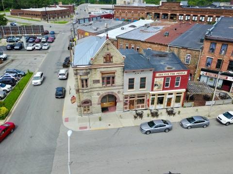 The Firehouse BBQ & Blues: 400 N 8th St, Richmond, IN