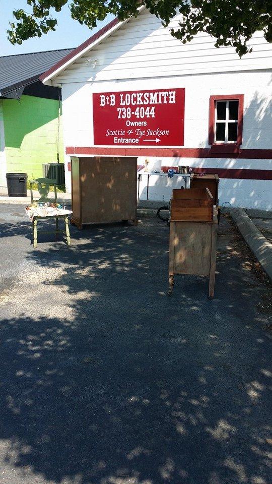 B & B Locksmith: 2203 N Cedar St, Lumberton, NC
