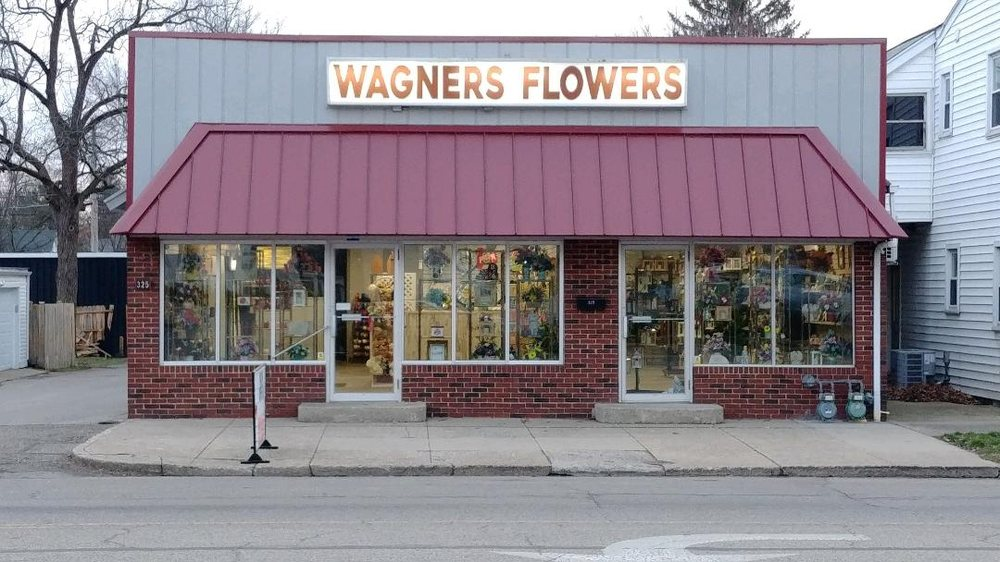 Wagner's Flowers: 325 E Main St, Circleville, OH