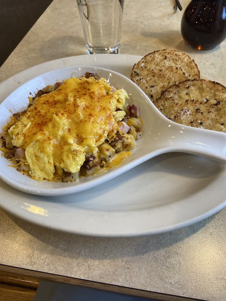 The Breakfast Club Diner: 991 Waterbury Falls Dr, O'Fallon, MO
