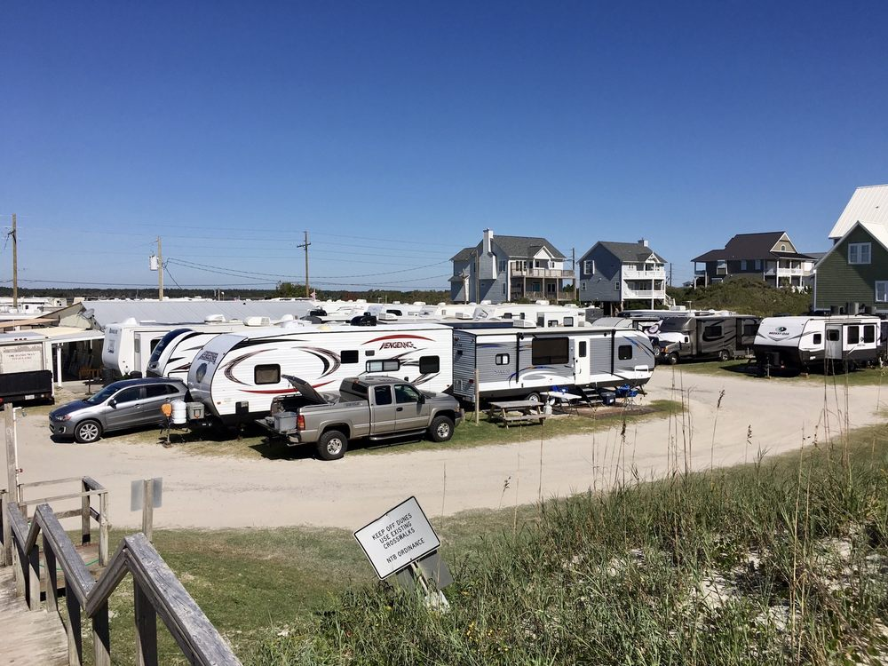 Surf City Family Campground: 2460 Island Dr, N Topsail Beach, NC