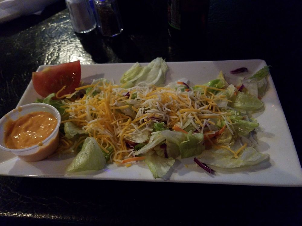 Wagers Grill & Bar: 3914 River Place Dr, Macon, GA