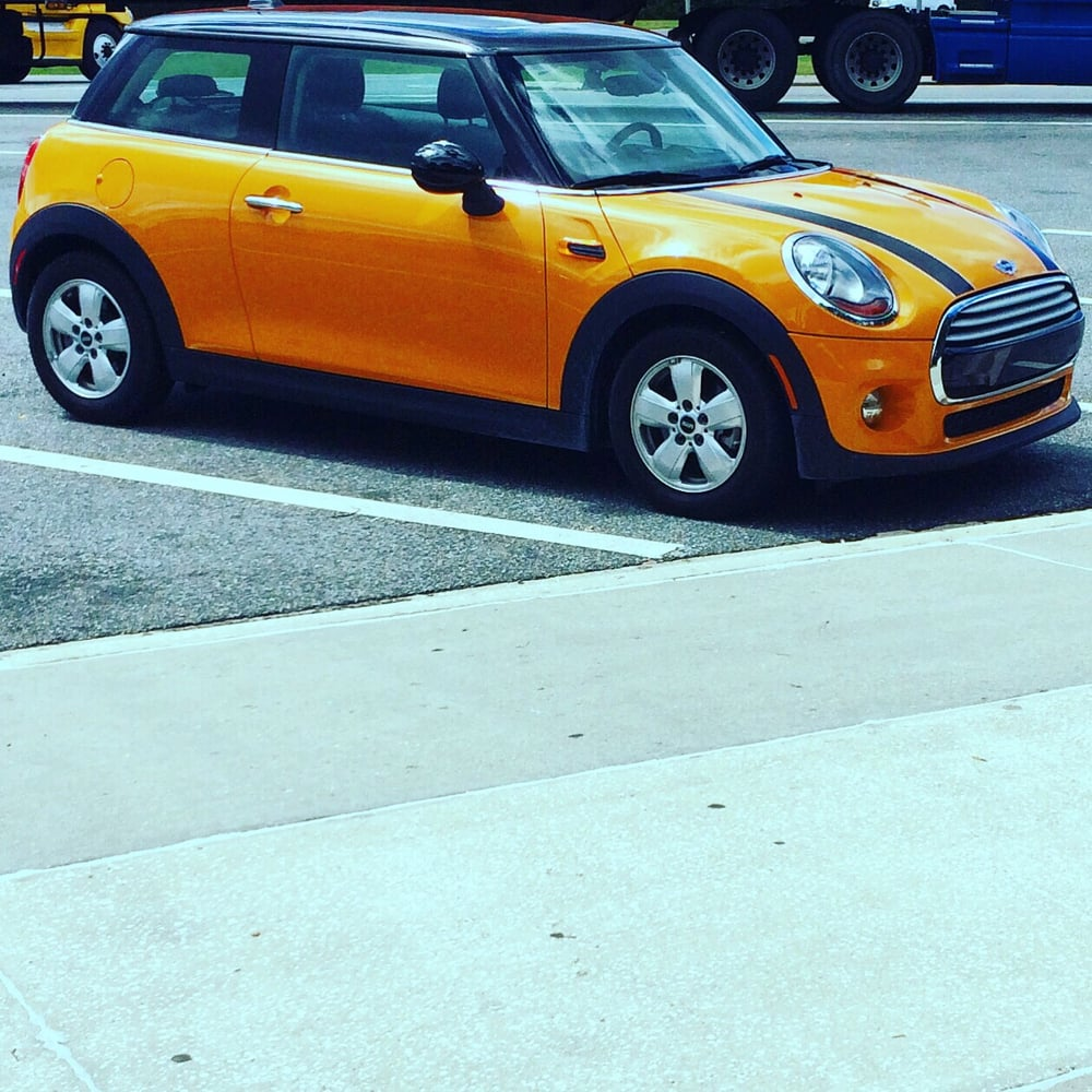 My Adorable Sixt Rental Car For The Weekend: BMW Mini