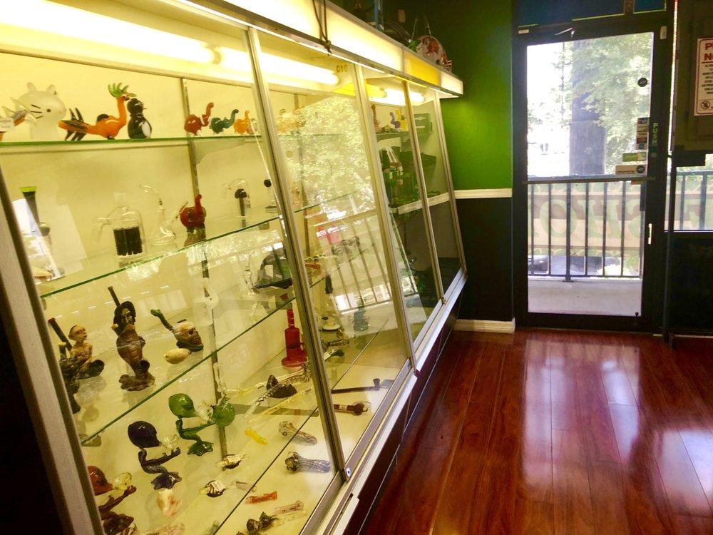 Happy Smoke Shop: 11406 N Dale Mabry Hwy, Tampa, FL