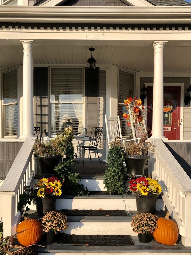 The Plum House: 1024 S Anderson St, Elwood, IN