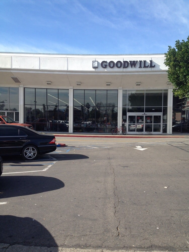 Goodwill Store Donation Center 29 Reviews Thrift Stores 1800 N Grand Ave Santa Ana Ca
