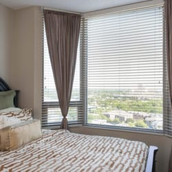 Gables Uptown Tower - 20 Photos & 22 Reviews - Apartments - 3227 ...
