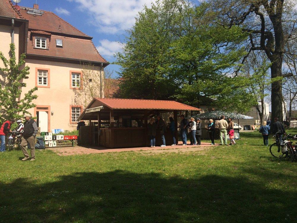 Hofgut Patershausen - 16 Fotos & 11 Beiträge - Biergarten - Hofgut ...