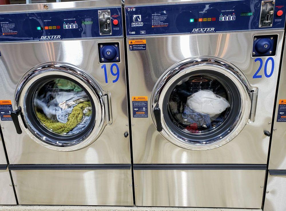 Skylar Laundromat: 25214 Greenfield Rd, Oak Park, MI