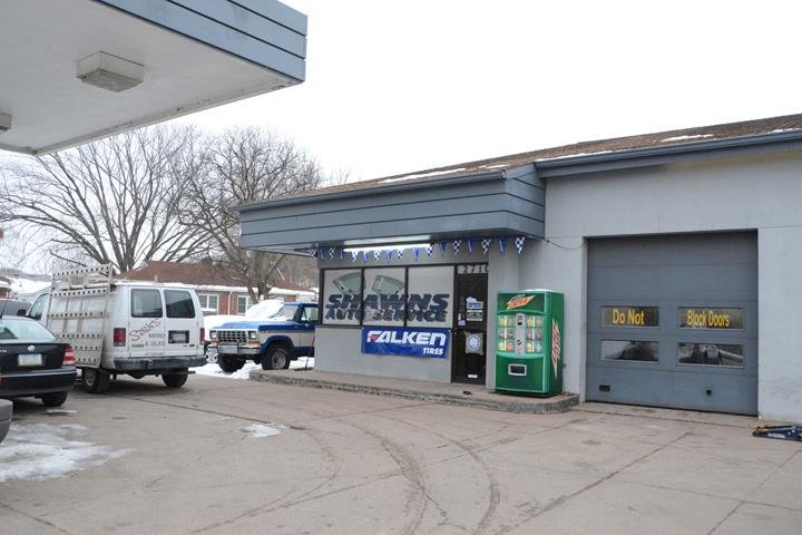 Shawn's Auto Service: 2710 State St, Bettendorf, IA