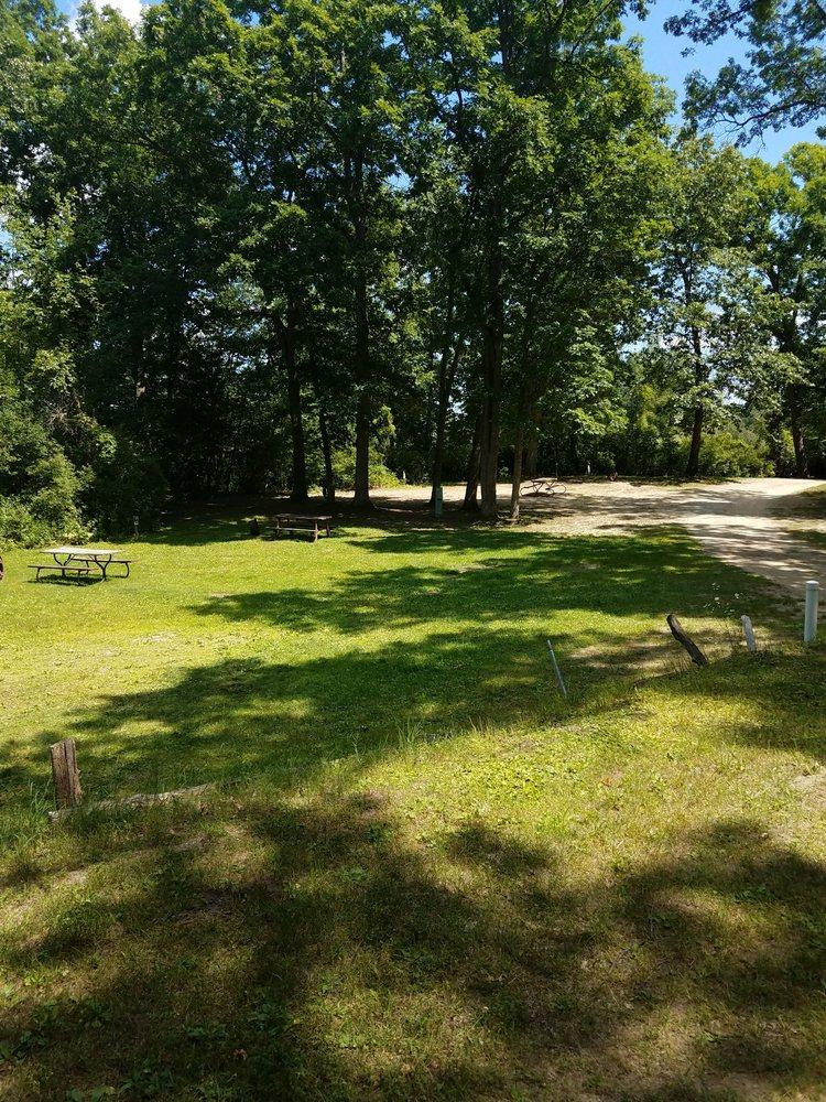 Irish Hills Kampground: 16230 US Hwy 12, Cement City, MI
