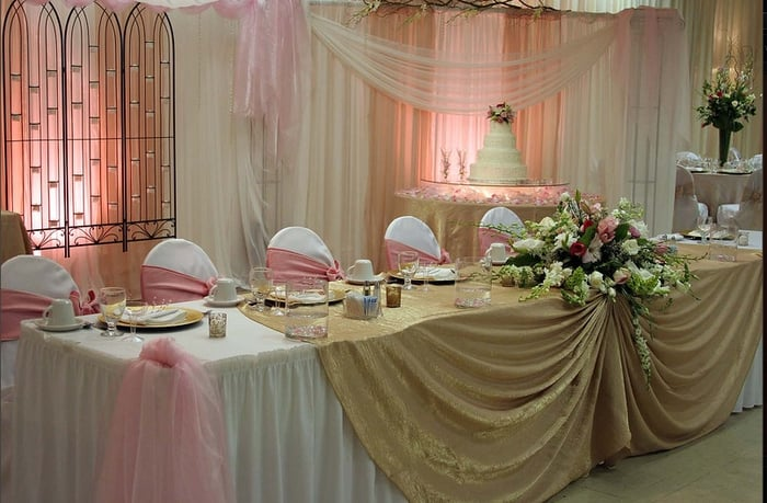 Side View Of Bridal Party Table