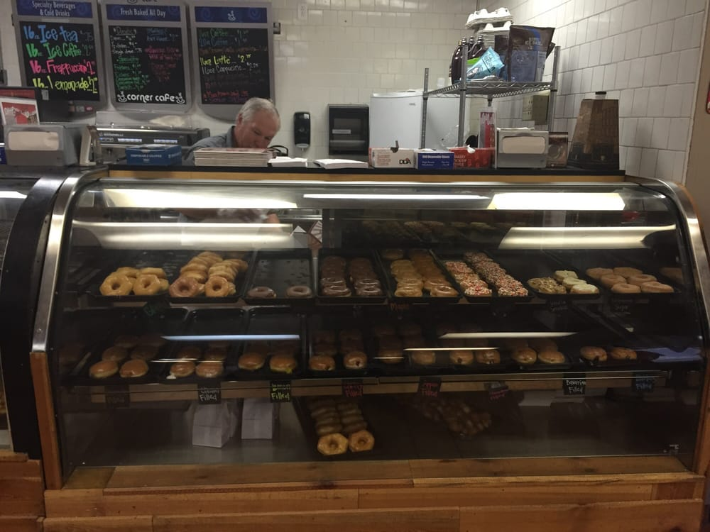 Sugarland Donuts and More: 47 Gwenn Ray Dr, Eupora, MS