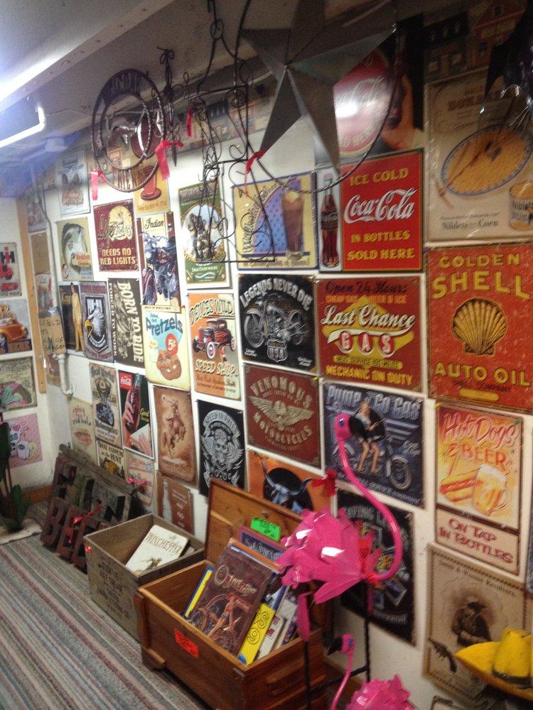 Red's Iron Yard: 308 S Main St, Galena, IL