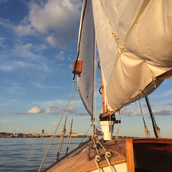 Duchess Of Boston Sailing Charters 12 Photos Boat Charters 87