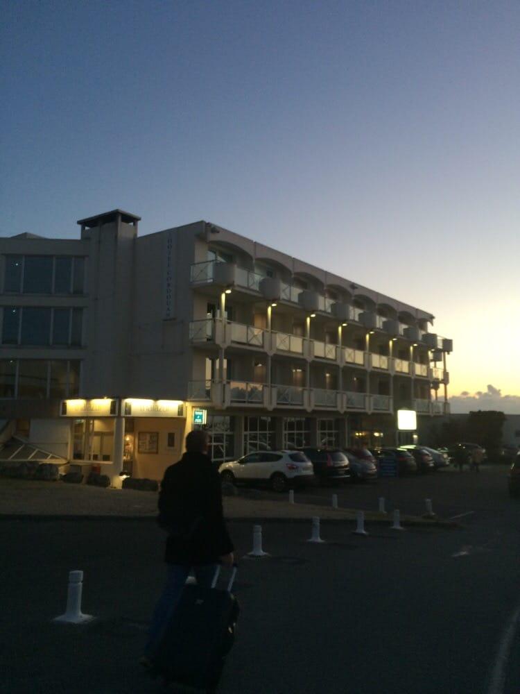 Hotel cordouan thalazur royan hotels 6 all e rochers for Hotels royan