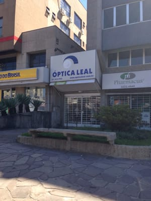 Otica e Relojoaria Leal - Eyewear   Opticians - Av. Wenceslau ... c311c601b9