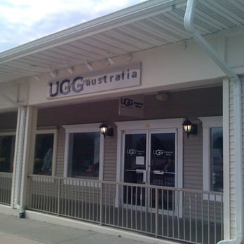 ugg outlet woodbury