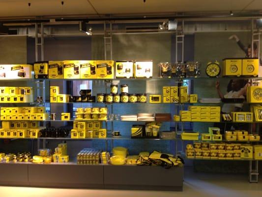 bvb fanshop ferm magasin de sport strobelallee 50 dortmund nordrhein westfalen. Black Bedroom Furniture Sets. Home Design Ideas