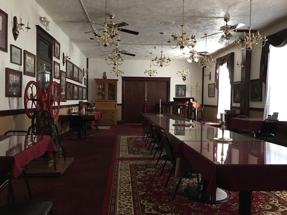 The Historic Argo Hotel: 211 W Kansas St, Crofton, NE