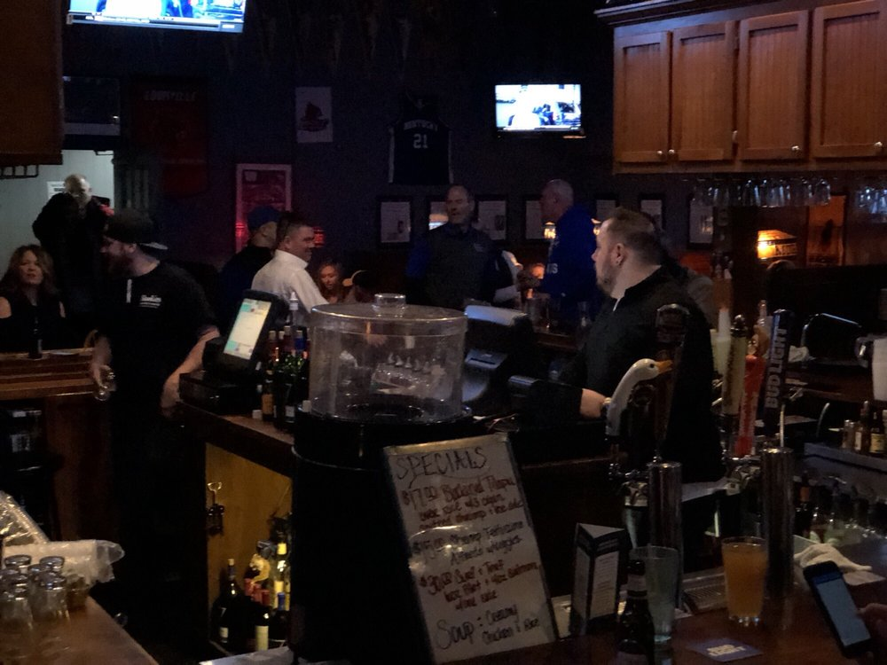 Rookie's Sports Bar: 117 2nd St, Henderson, KY