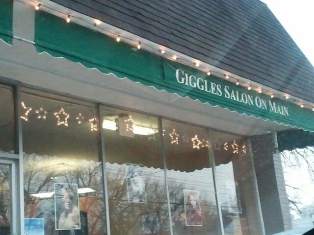 Giggles Hair Design: 6869 Main St, Cincinnati, OH