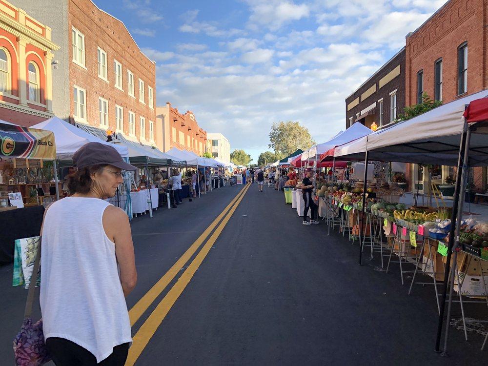 Lakeland Downtown Farmers Curb Market: N Kentucky Ave, Lakeland, FL