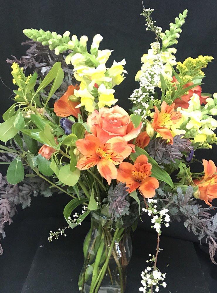 Flower Mart: 210 6th St, Glenwood Springs, CO