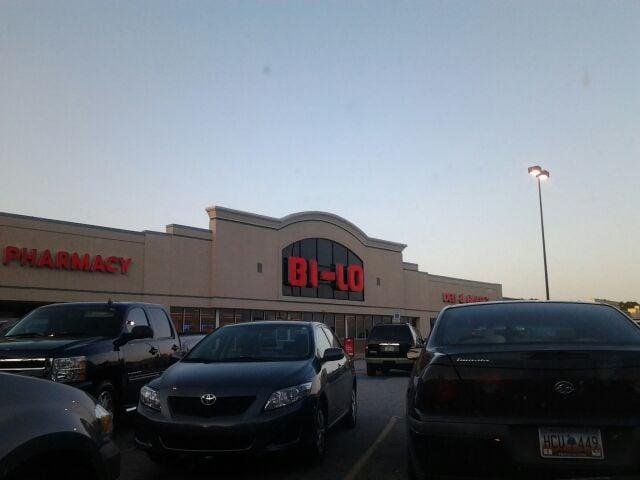 Bi-Lo: 1518 W Main St, Laurens, SC