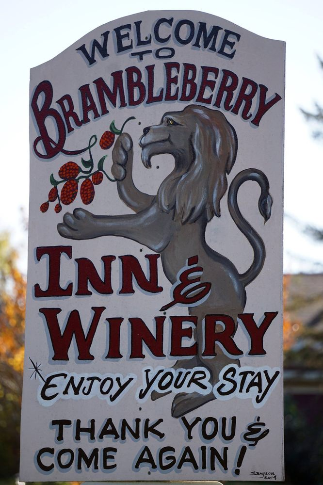 Brambleberry Winery, Weddings & Country Inn: N3684 Claire Rd, Taylor, WI